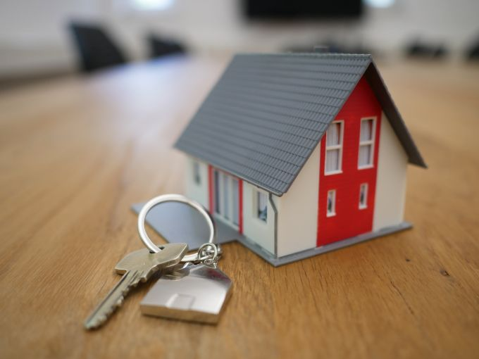 Earn Commissions as a Real Estate Agent