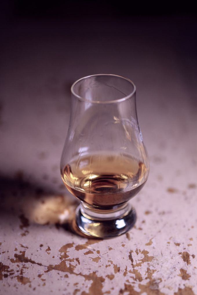 Use a Glencairn Glass