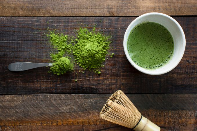 Caffeinated black or green tea