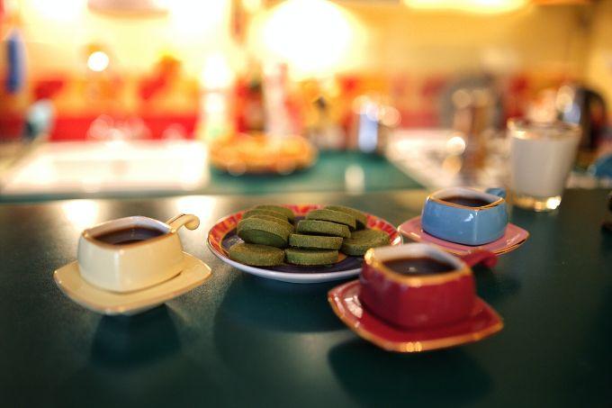 Drink Green tea or oolong tea