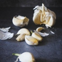 image for topic 'Chop garlic'