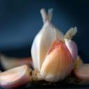 image for topic 'Peel garlic'